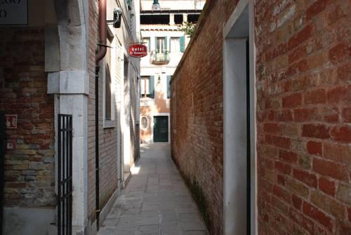 Hotel At Leonard Venice