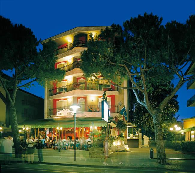 Hotel milton romantik jesolo lido italy via verdi 80 for Designhotel jesolo
