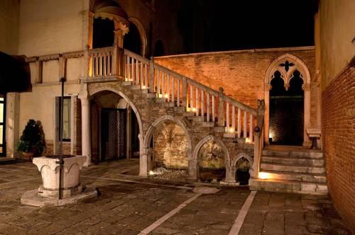 Palazzo Contarini Della Porta Di Ferro Venice