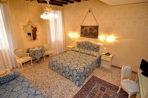 Residenza La Campana Venice
