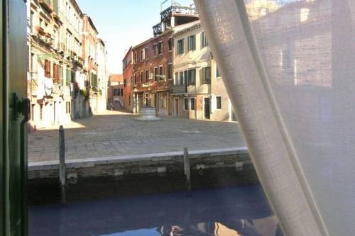 Lungo Canale - Cannaregio Venice