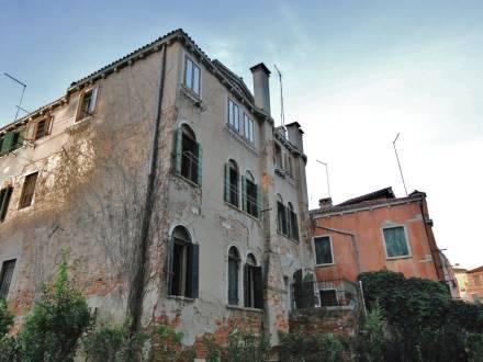 Casanas Venice