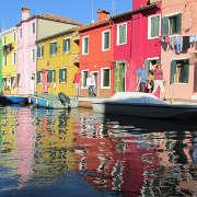 Burano colori riflessi sull'acqua