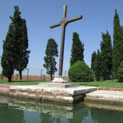 San Francesco island wooden crosso