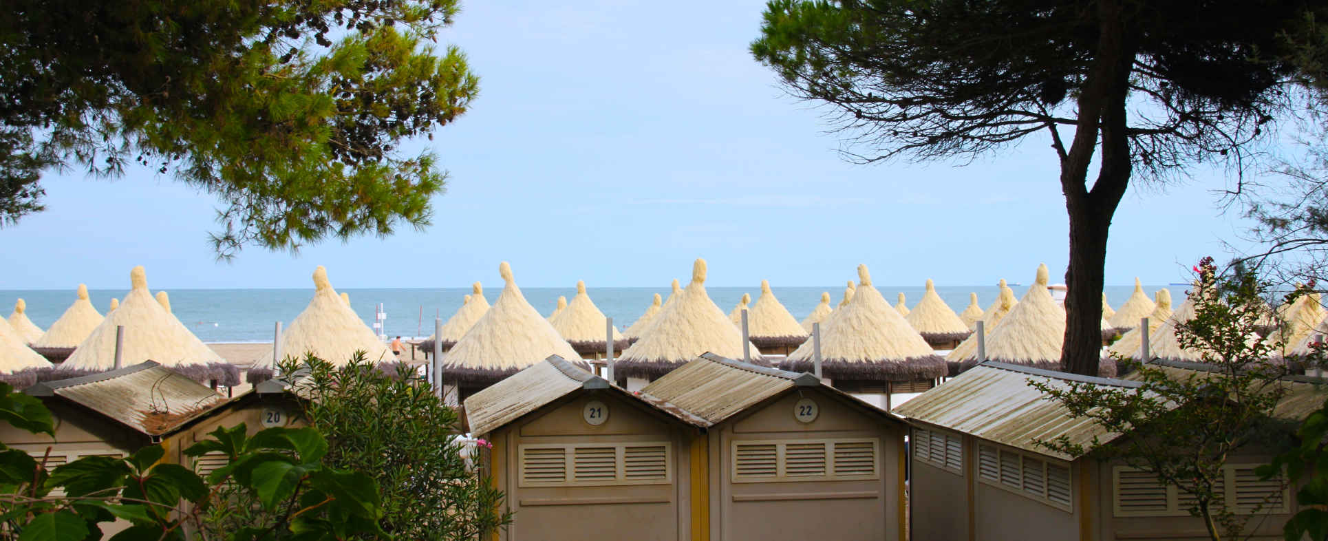 huts on the lido venice 'beach