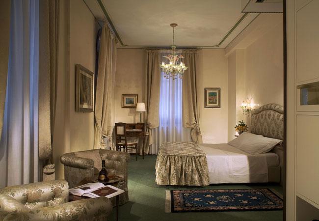 Palace bonvecchiati 30124 san marco calle dei fabbri for Hotel a venezia 5 stelle