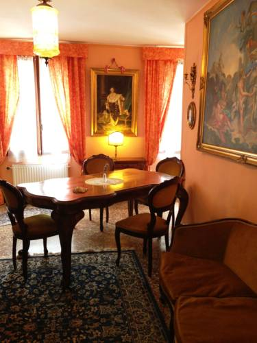https://www.isoladiburano.it/images_dir/hotels/656/1.jpg