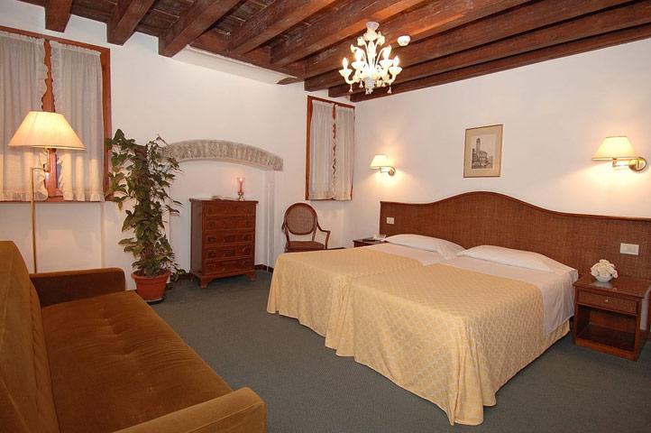 Hotel Casanova 30124 Frezzaria 1284 Venezia