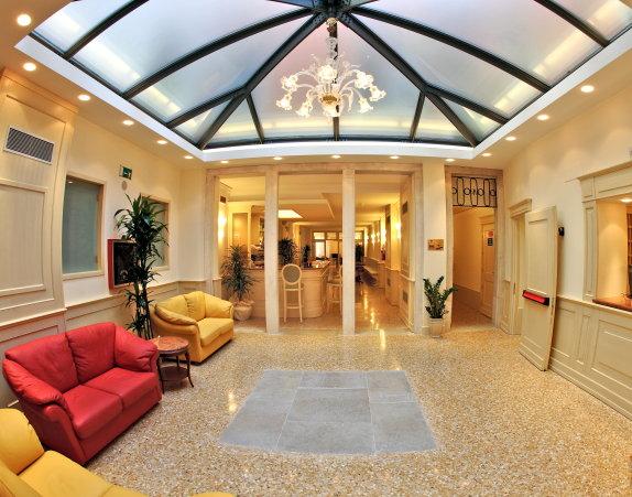 Hotel Bella Venezia 30124 San Marco 4701 11 Calle Dei
