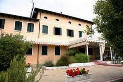 Hotel Villa Sara Mestre
